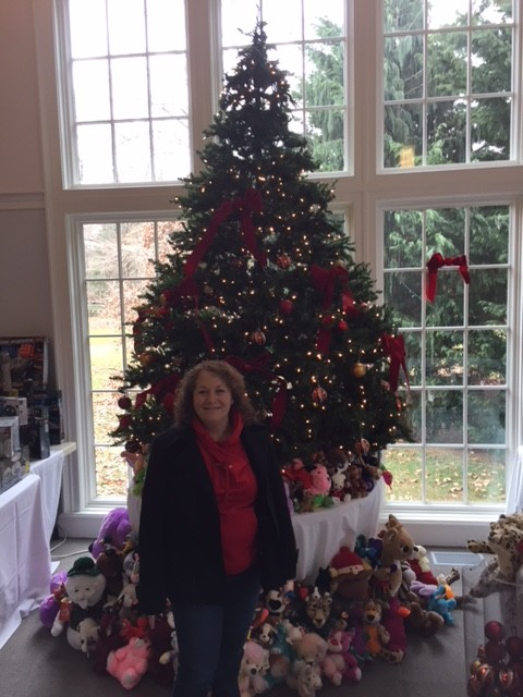 4th Quarter 2017 Volunteer Lisa Slen Person to Person Dec 2017